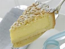 torta con crema pasticcera fatto in casa da benedetta ricetta torta della nonna con crema e pinoli donna moderna