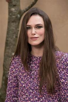 keira knightley chanel fashion show fw18 in paris