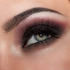 Expert Makeup Tips To Make Your Eye Makeup Pop Frends