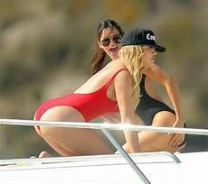 Khloe Kardashian Bikini Khloe Kardashian Bikini Wallpaper Collection In Hd Quality