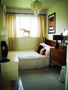 Small Space Simple Bedroom Design Ideas by Simple Interior Design Ideas For Small Bedroom