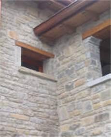 davanzali in legno per finestre effedue costruzioni presenta una selezione dei suoi interventi