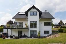 Modell Babelsberg Exklusives Einfamilienhaus In Hanglage