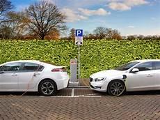 hybride ou electrique voiture 233 lectrique ou hybride tout b 233 nef pour votre