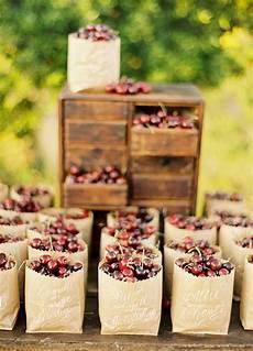 Wedding Favor Ideas For Summer 8 refreshing summer wedding favor ideas crazyforus