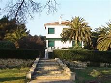 Location Vacances Villa Cyr Sur Mer Ref 25 4 Chambres