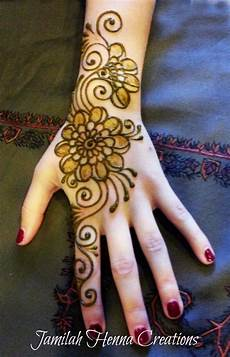 Gambar Terbaru Henna Gelang Tangan Untuk Kalian Teknik