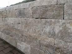 travertin stein mauer mauersteine grau trockenmauer