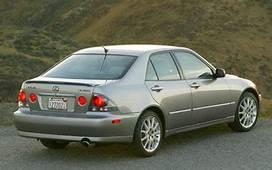 2002 2005 Lexus IS300 SportDesign  Review & Road Test