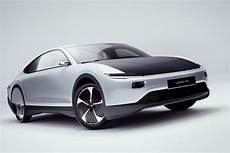 solaire auto en images le jour se l 232 ve pour la voiture solaire lightyear one l usine auto