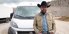 Chuck Norris A Oubli 233 Le Cing Car Dans Cette Vid 233 O Pour