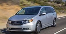 honda odyssey 900 000 minivans recalled