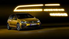 2017 Vw Golf Facelift Debuts With 1 5 Tsi Led Headlights