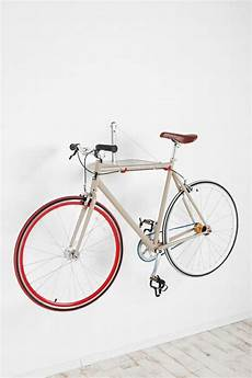 fahrrad an der wand aufhängen relaxdays fahrradhalterung zum aufh 228 ngen am pedal