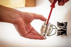 c 243 mo detectar y solucionar problemas el 233 ctricos en casa un hogar con mucho oficio