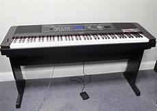 Yamaha 88 Key Portable Grand Piano Keyboard Weighted Dgx
