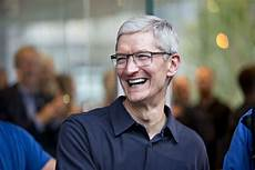 tim cook s set for a 120 million payday this week