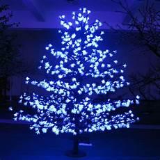 sapin lumineux 1084 led 2 90 m et d 233 co arbre