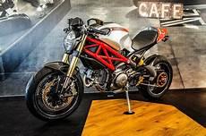 Umgebautes Motorrad Ducati 1100 Evo