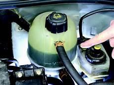 Insolite Un Automobiliste Gravement Br 251 L 233 Par Liquide