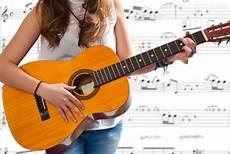 comment jouer de la guitare apprendre a jouer la guitare