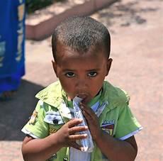 Kinder Liebe Zukunft - kinder sind unsere zukunft geben wir ihnen bildung und