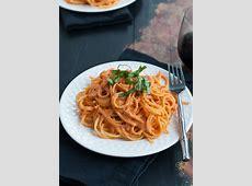 creamy vegan tomato sauce_image