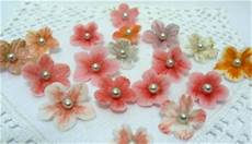 come fare i fiori con la pasta di zucchero fiori in pasta di zucchero con venature esm