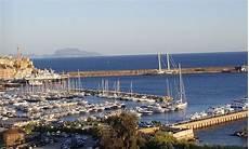 pozzuoli ischia porto traghetti pozzuoli ischia orari e biglietti traghetti e aliscafi