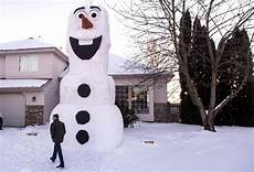 How Tall Is Olaf Photo 22ft Olaf Snowman The Spokesman Review