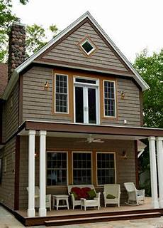 30 best exterior paint colors for brown roof images pinterest exterior colors exterior
