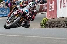 Isle Of Tt 2017 Supersport Winner Michael Dunlop