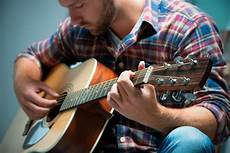 learning to play the guitar 10 tips to learn how to play guitar with technique learn guitar