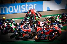 Motogp Pictures Of 2018 10 Pics That Tell The Season