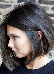 9 best short hairstyles for thick hair you ll love