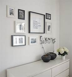 ikea bücherregal wand how to wall picture gallery apartment decoration bilder galerie wand spr 252 che rahmen