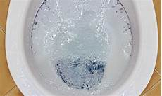 how much water does a toilet use