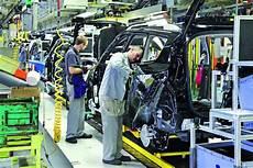 usine renault renault va r 233 duire les cadences de usine de douai