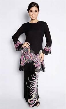 bayou batik baju kurung maryam in black and pink traditional costume pinterest