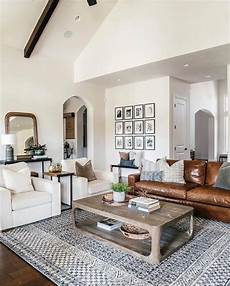 Home Decor Ideas For Living Room 2019 by 27 Eclectic Farmhouse Decor Family Rooms Coffee Tables 61