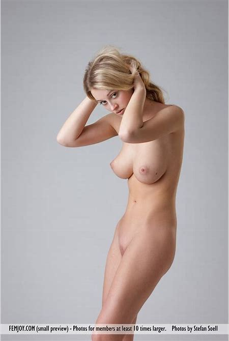 Gorgeous blonde beauty Carisha is tall, slender and nude ...