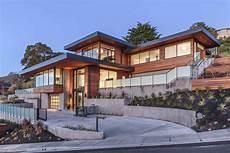 Haus Hanglage Modern - dramatic hillside home with modern yet warm feel in marin