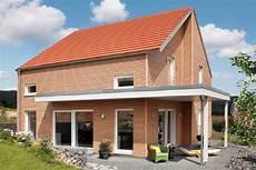 Haus Mit Holzfassade E 15 143 5 Schw 246 Rerhaus
