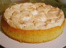 apfelkuchen rührteig springform apfelkuchen mit kokosbaiser claudi g chefkoch de