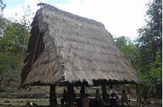 Rumah Adat Lang Wa Kabupaten Alor Kepulauan Ntt