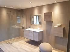 faience de salle de bain moderne baignoire gain de place leroy merlin avec baignoire gain