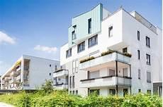 immobilien kaufen und vermieten wohnen auf zeit in