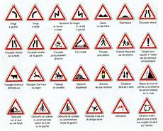 les panneaux de la route francuski przy kawie język francuski znaki drogowe