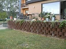 Beton Pflanzkübel Als Mauer - pflanzsteinmauer mischungsverh 228 ltnis zement
