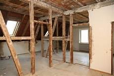 tragende wand erkennen dachgeschoss rathaussanierung greift tief in bestehende bausubstanz ein